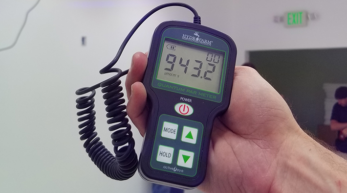How To Measure Grow Light With A PAR Meter