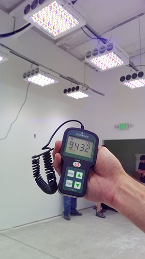 how to use a PAR meter to measure grow light
