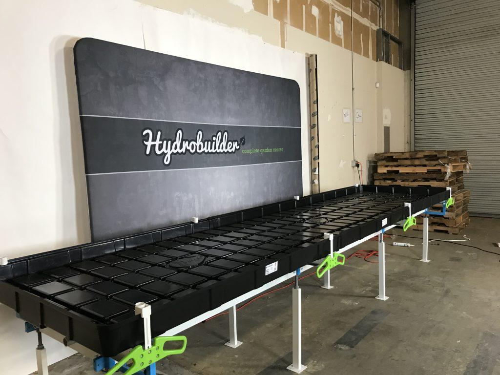 Botanicare hydroponic slide bench system